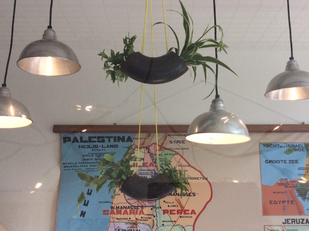 Intter, gerecycleerde materialen, bloempot, planten, recycle art, groen in huis