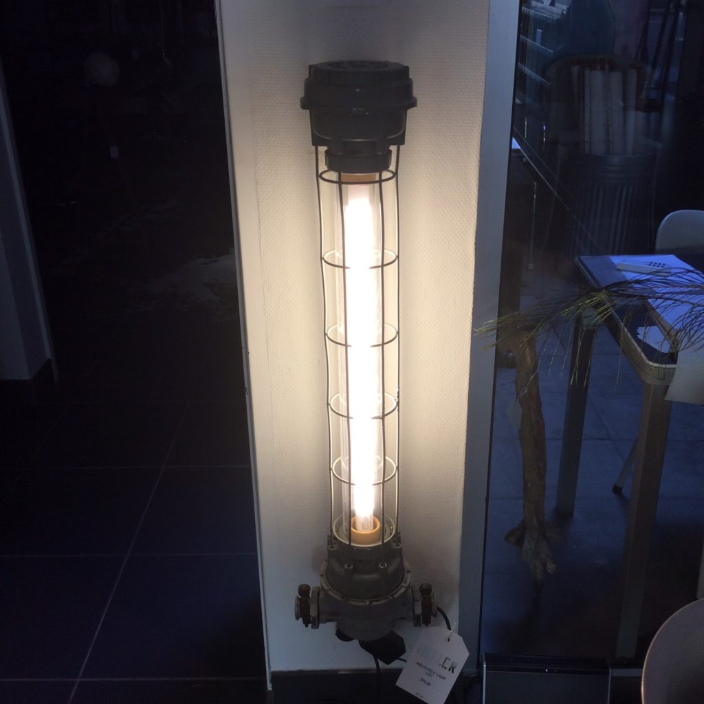 Intter, verlichting, LED, design, industrieel, industrial, oldschool, fabrieksverlichting, light, lighting, interieur