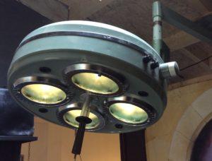 Intter, vintage, retro, hospitaallamp, operatielamp, tandartslamp, operatie, dimbaar, origineel, uniek, hanglamp, speciale verlichting, verlichting