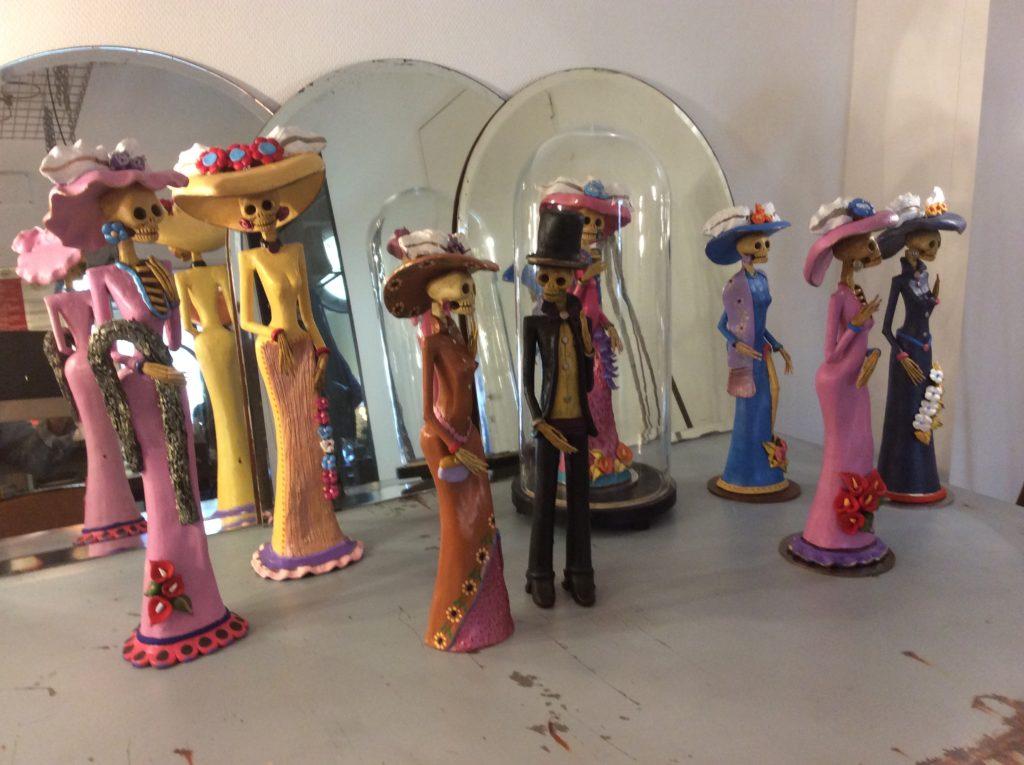 Catrinas, Mexicaanse dodenverering in kunstige vorm, handgemaakt, verschillende modellen man en vrouw