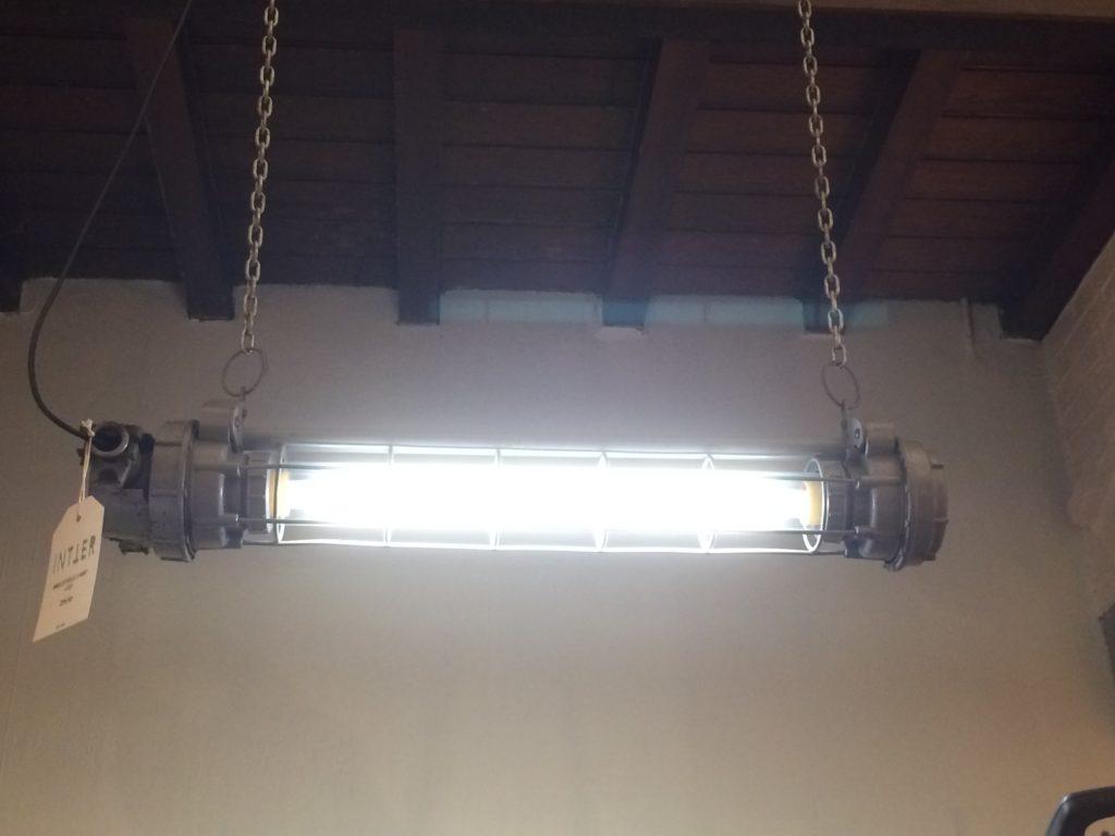 Intter, verlichting, LED, design, industrieel, industrial, oldschool, fabrieksverlichting, light, lighting, interieur