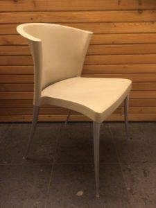 Intter, stapelbaar, stapelbare, stoel, kunststof, Paco Capdell, keukenstoel, eetkamerstoel, tafel en stoel