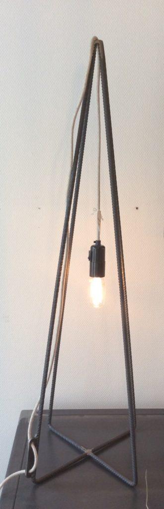 Intter, lamp, verlichting, led, ledlamp, eigenmaak, opmaatgemaakte verlichting, decaratief, decoratie, inrichting, leeslamp, tafellamp, bureaulamp, kastlamp, vloerlamp, stalamp
