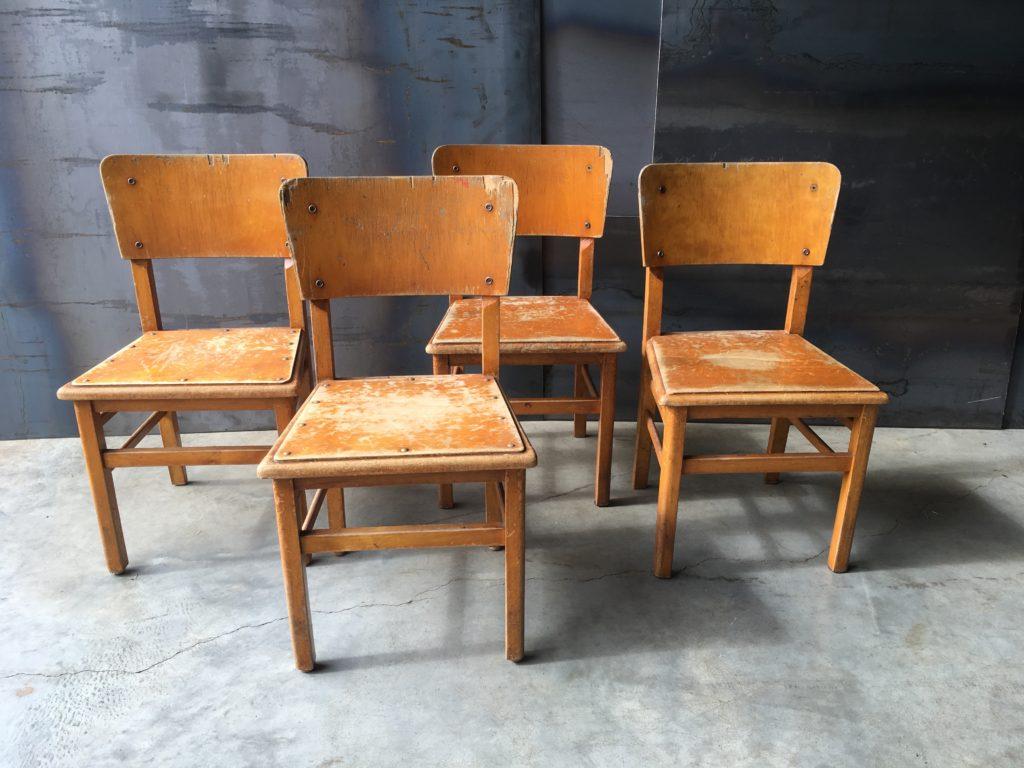 vintage, kinderstoel, kids, furniture, houten stoel, schoolstoel, kleuterstoel, kleuterschool