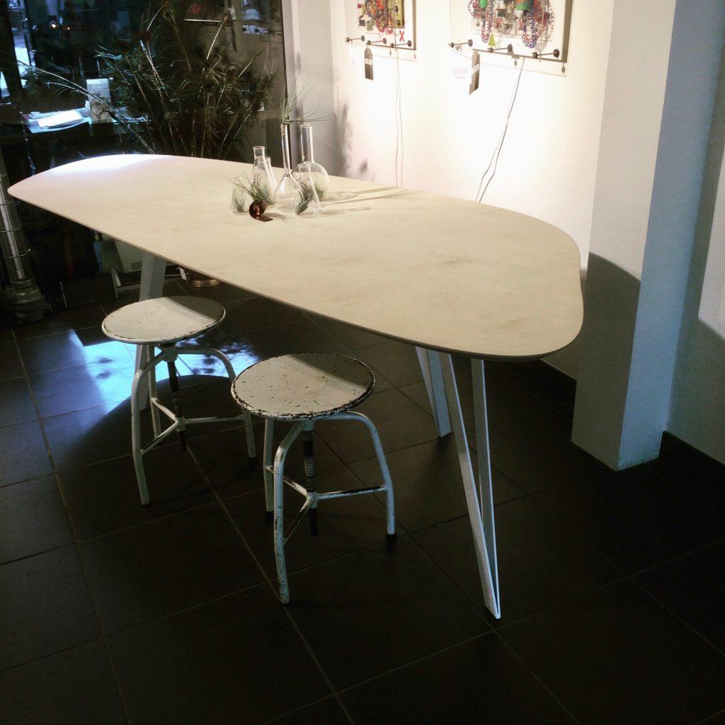 Intter,, tafel, maatwerk, tafel op maat, multiplex, plywood, berken, eetkamer, eettafel, bureau, desk, meeting, meetingtable