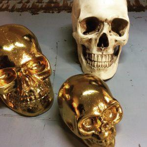 Intter, decoratie, skull, doodshoofd, skelet, geraamte, kunststof, gegoten, decoratief, decoratie, inrichting, presspapier, goud, gold