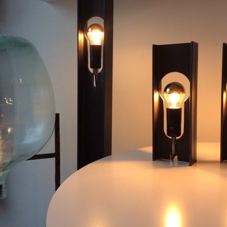 Intter verlichting custommade, op maat gemaakt, LED verlichting, metalen poutrel, design, metaldesign, poutrelle, dame jeanne