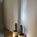 eenvoudige spiegel op staalplaat in eiken blok, vrijstaand, afmetingen 180 x 60cm